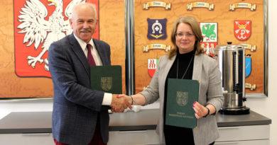 Uroczyste podpisanie porozumienia i aktu notarialnego